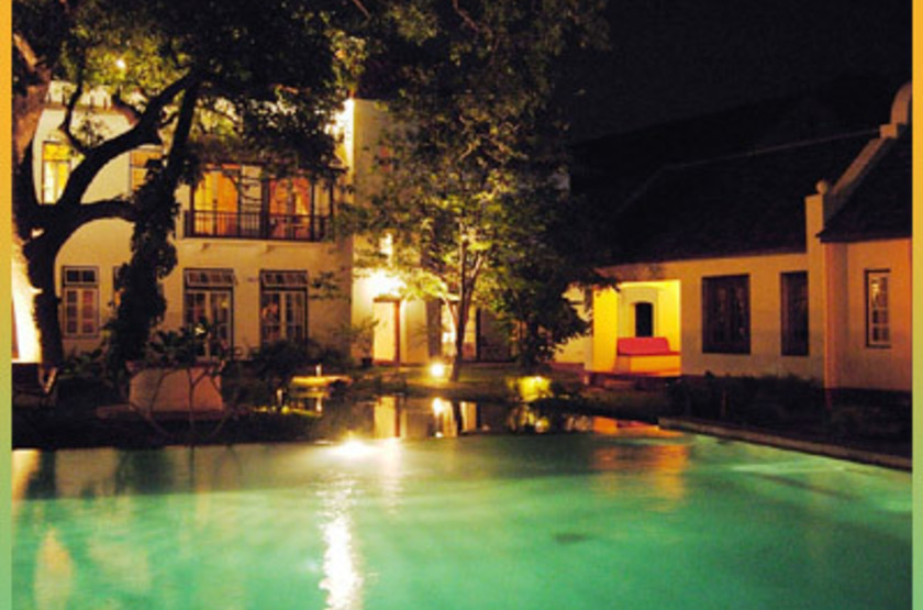 Old harbour   cochin   jardin   piscine de nuit slideshow