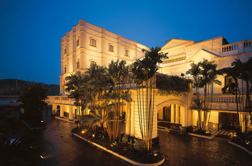 Oberoi grand   calcutta   facade slideshow