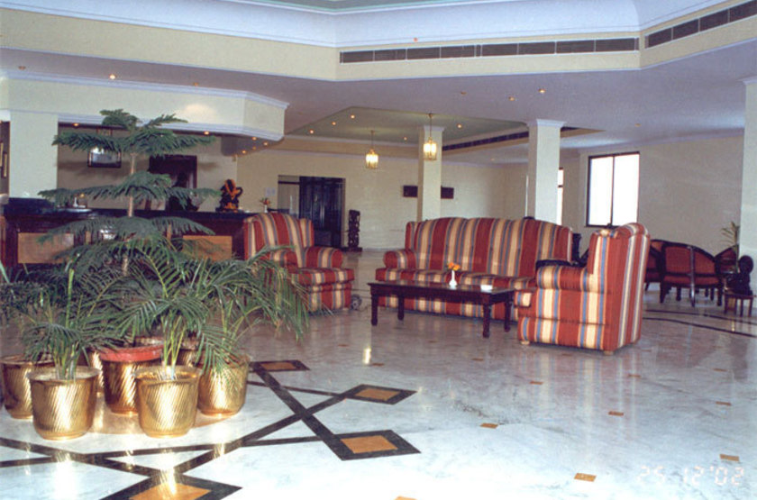 The Royal Regency, Bodhgaya, Inde, salon