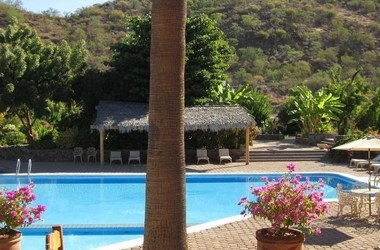 Tripui    piscine listing