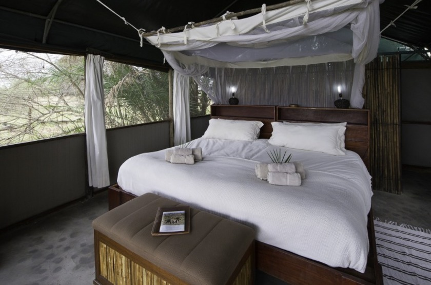 Zambie   busanga bush camp   interieur tente   makila voyages slideshow