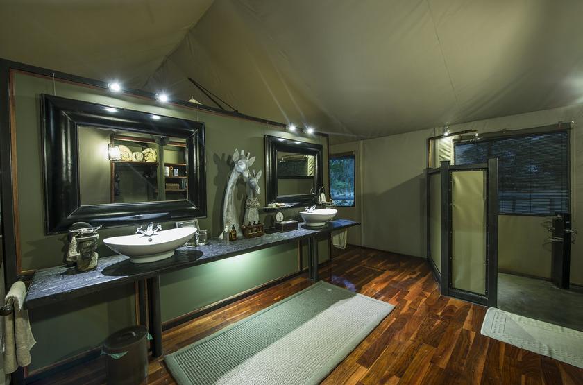 Chitabe Camp, delta de l'Okavango, Botswana, salle de bains