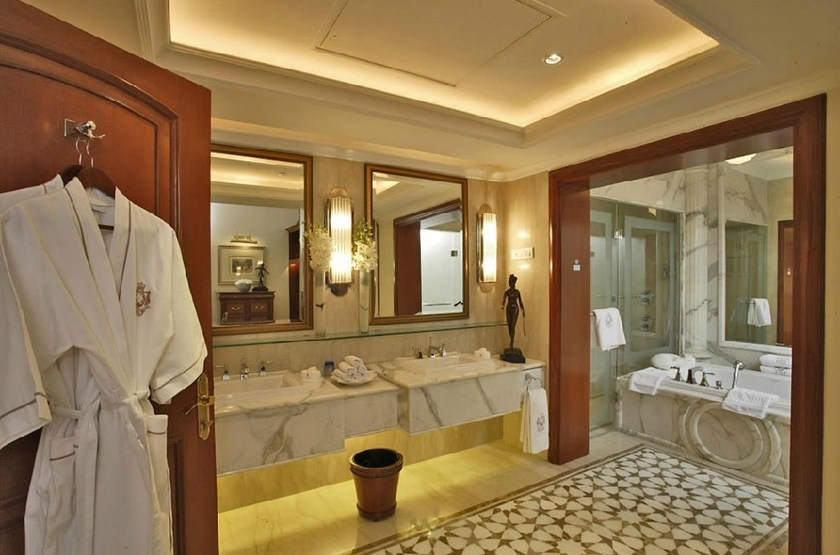 Imperial   delhi   royal imperial suite salle de bain slideshow