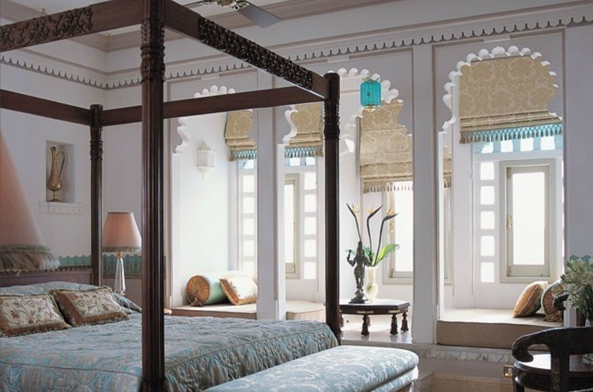 Lake palace   royal suite slideshow