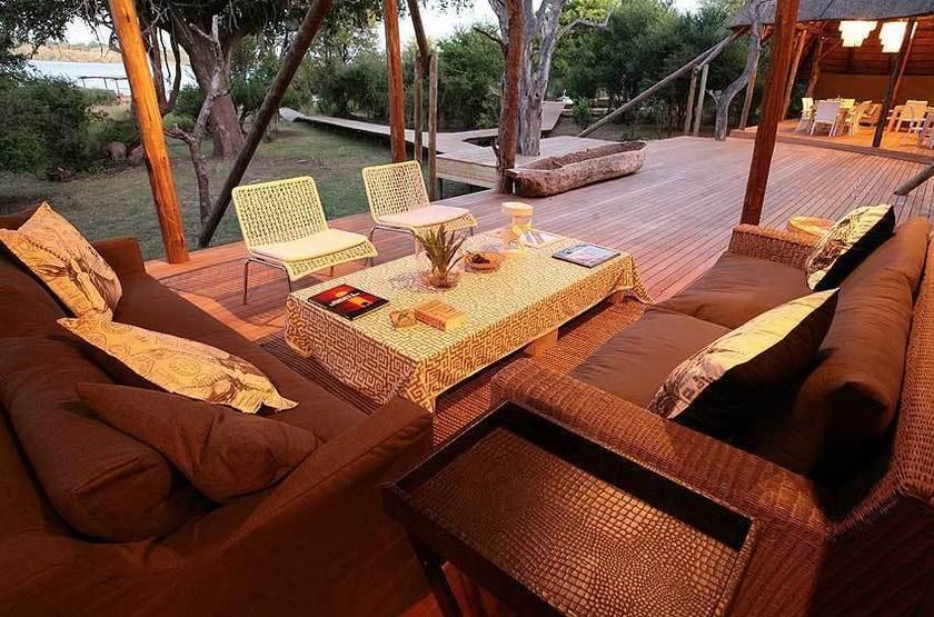 Zambezi Crescent River Lodge, Victoria Falls, salon