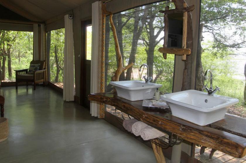 Changa bathroom slideshow