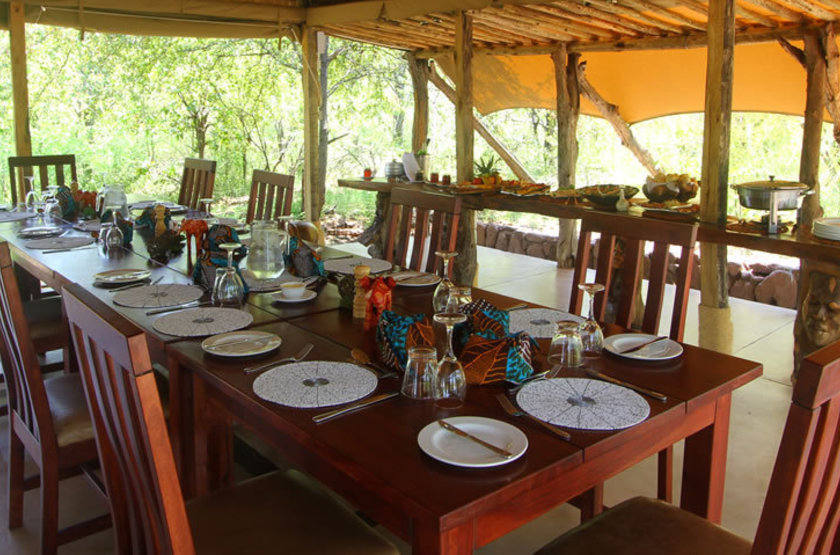 Changa Safari Camp, Matusadona, Zimbabwe, dinning room
