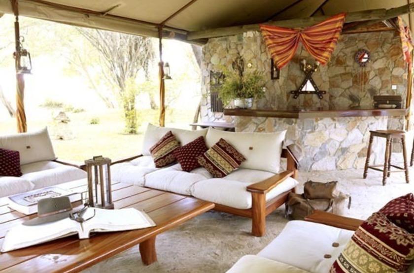 Larsens Camp, Samburu, Kenya, salon bar