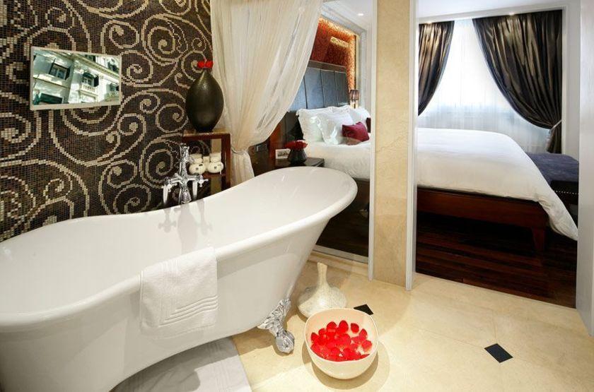 Sofitel Legend Metropole, Hanoi, Vietnam, salle de bains