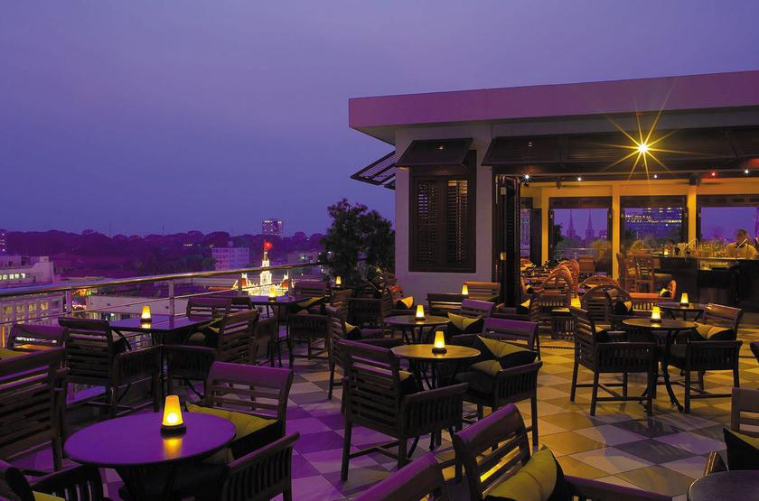 Caravelle Hotel, Ho Chi Minh, Vietnam, bar terrasse