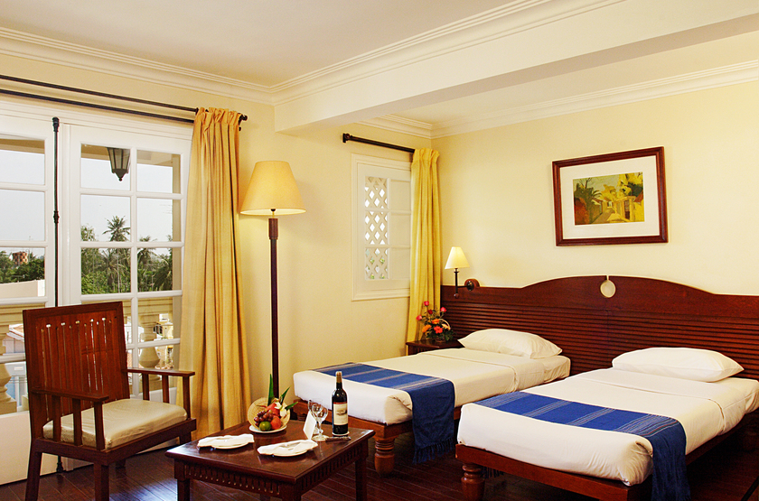 Vietnam   victoria chaudoc superior room slideshow