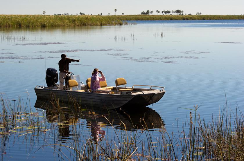 Duma Tau Camp, rivière de Savuti, Botswana, safari en bateau