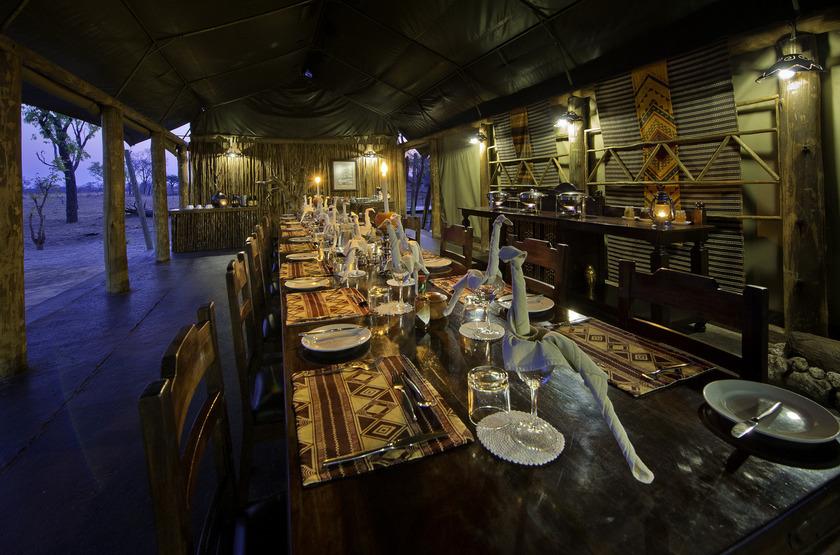 Davison's Camp, Parc Hwange, Zimbabwe, dinning room