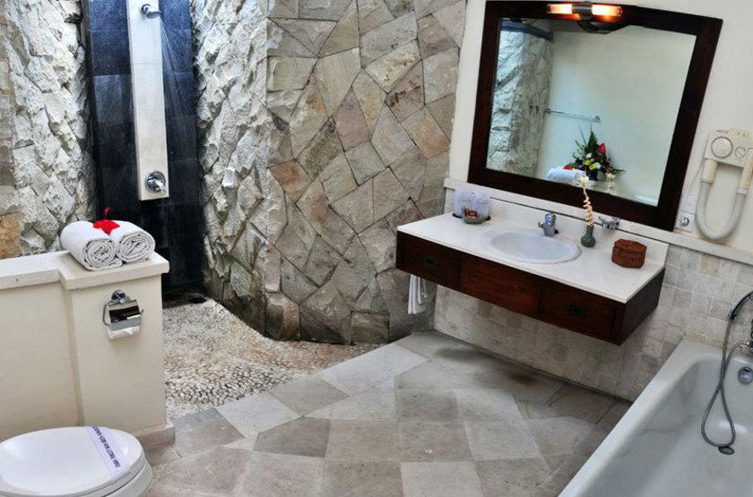 11 deluxe bathroom slideshow