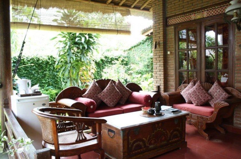 Terrace quirky garden slideshow