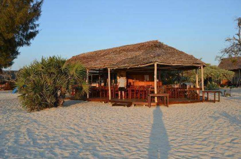 Ecolodge de menabe   restaurant slideshow