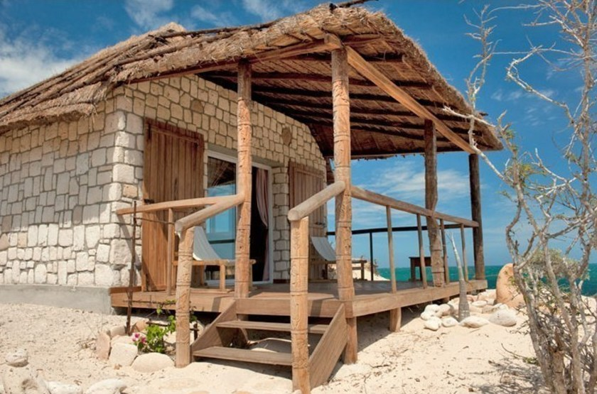Valahantsaka Resort Madagascar, Andavadoaka, Madagascar, bungalow