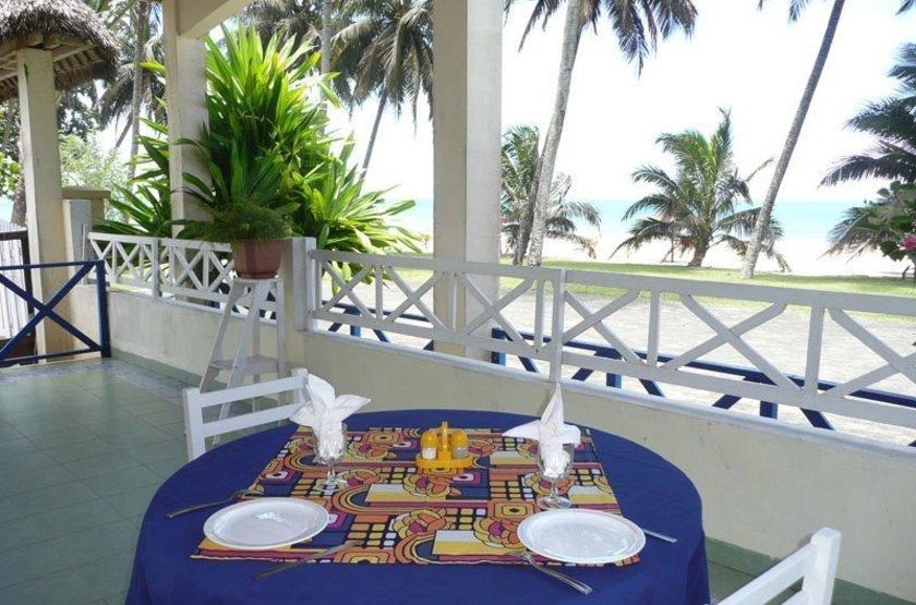 Las Palmas, Sambava, Madagascar, restaurant