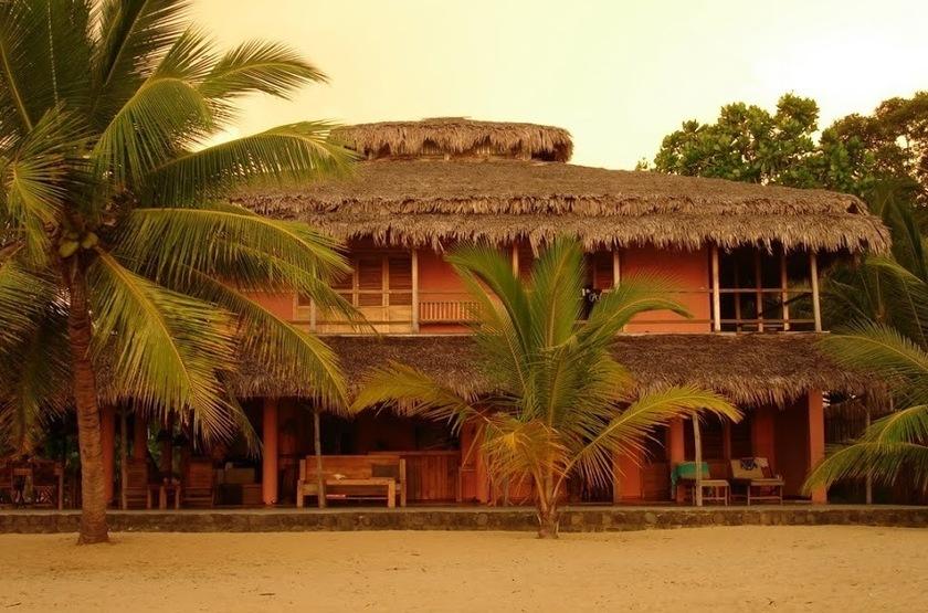 The Nosy Lodge - Nosy Be, Baie d'Ambondrona, Madagascar, extérieur