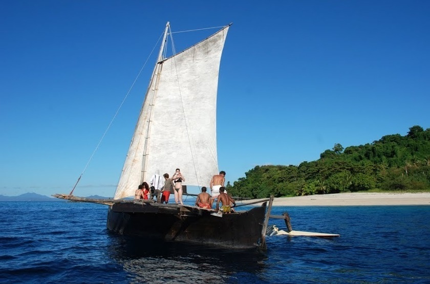 The Nosy Lodge - Nosy Be, Baie d'Ambondrona, Madagascar, boutre
