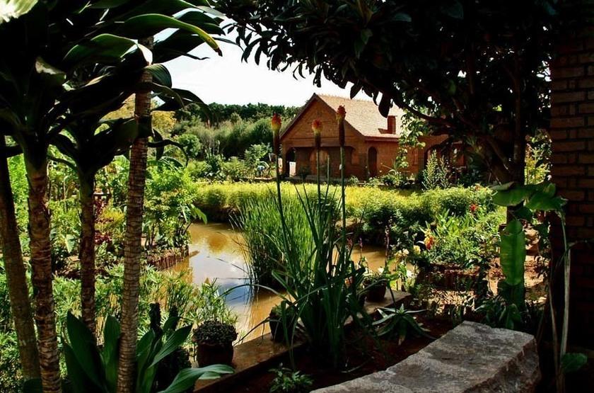 Eco Lodge Les Chambres Du Voyageur, Antsirabe, Madagascar, jardins