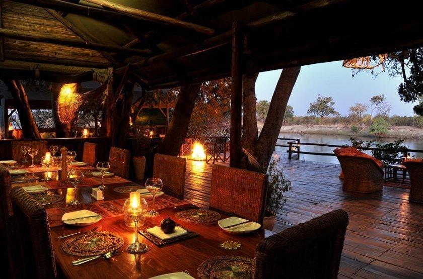 Chundu Island, Parc de Zambezi, Zimbabwe, dinning room