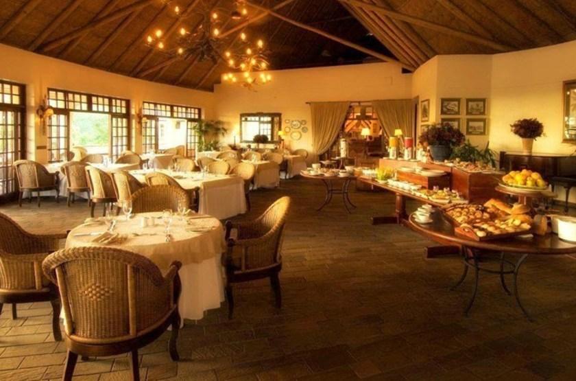 Ilala Lodge, Victoria Falls, Zimbabwe, restaurant intérieur
