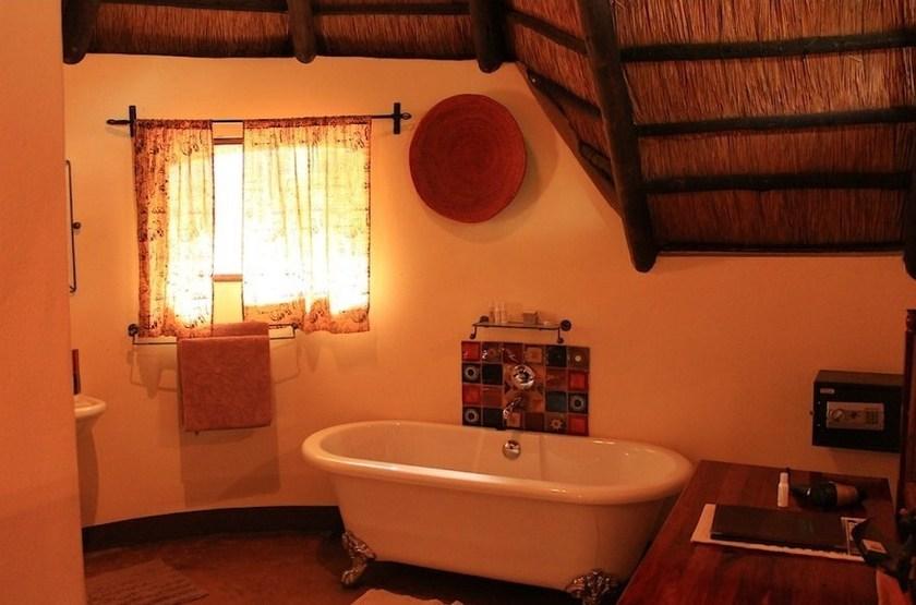 Imbabala Zambezi Safari Lodge, Zambèze, Zimbabwe, salle de bains