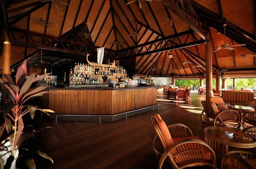Paradise Island Resort & Spa, Maldives, bar