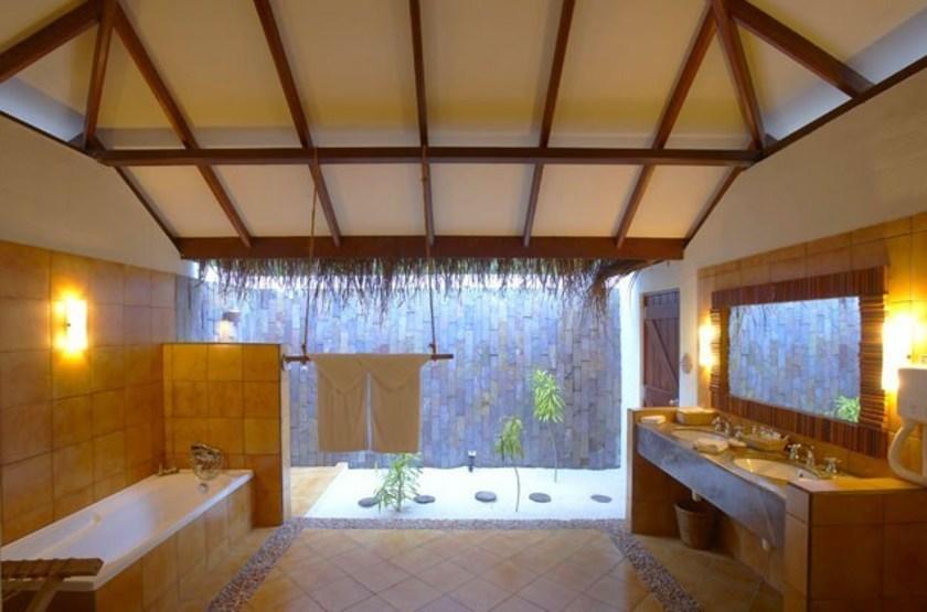 Filitheyo island   salle de bain slideshow