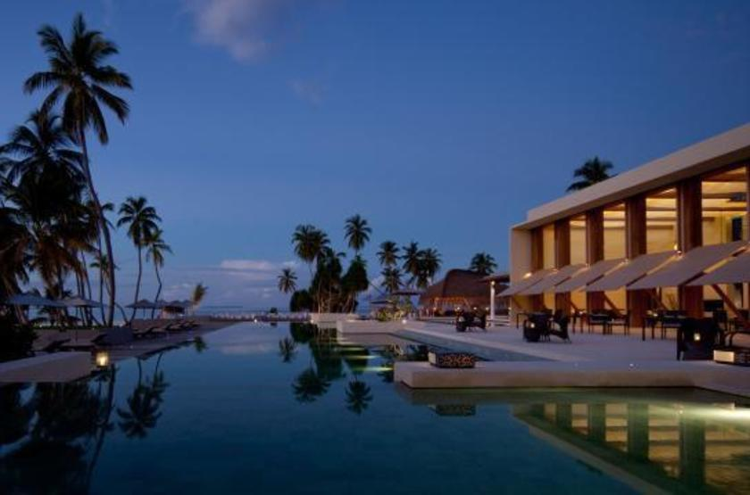 Alila 20villas 20hadahaa 20at 20dusk preview slideshow