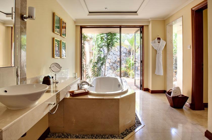 Maradiva Villas Resort & Spa, Ile Maurice, salle de bains