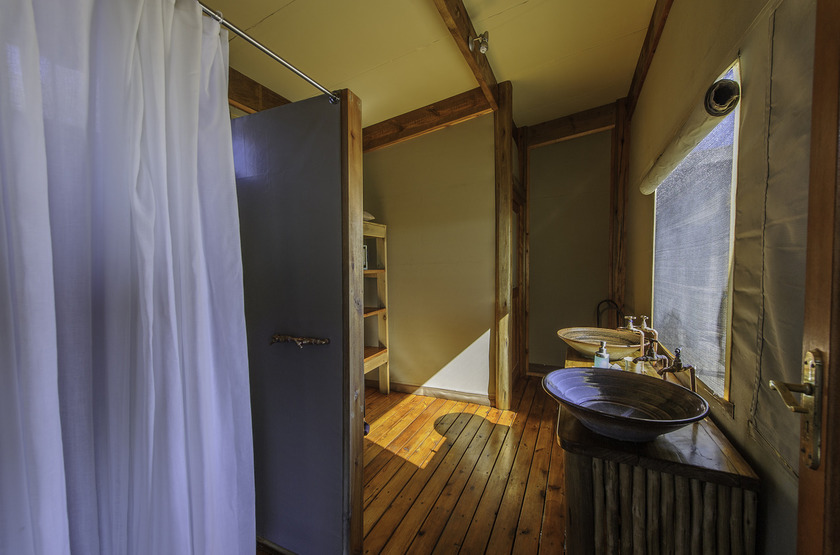 Kalahari Plains Camp, Botswana, salle de bains