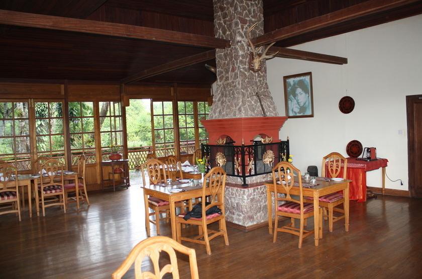 Restaurant 1 slideshow