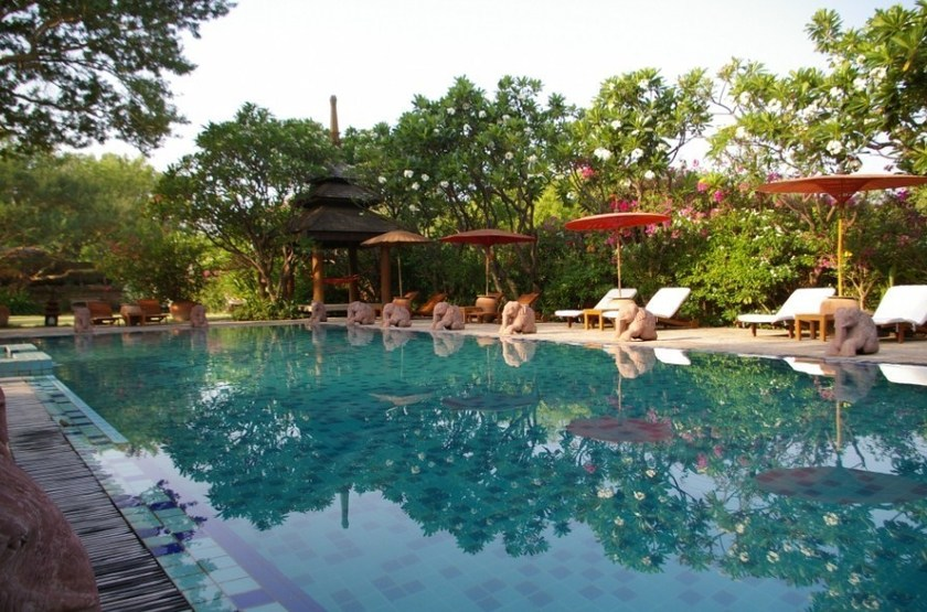 The Hotel & Tharabar Gate, Bagan, Birmanie, piscine