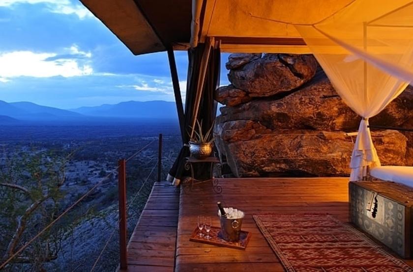 Saruni Samburu Camp, Samburu Kalama, Kenya, tente avec vue