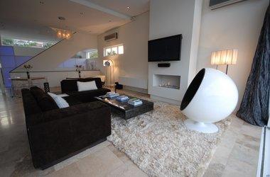Salon villa listing