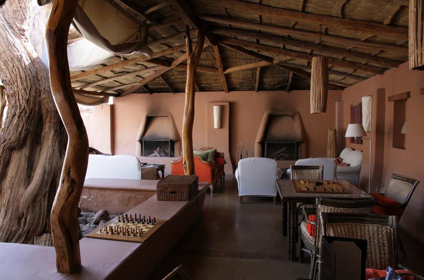 Awasi Lodge Atacama, Chili, terrasse et cheminée