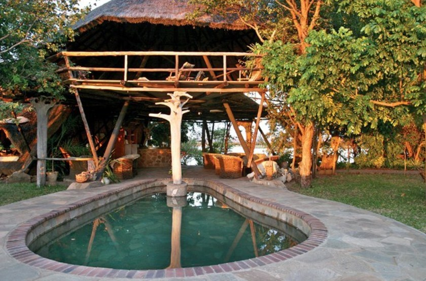 Musango camp   matusadona   piscine slideshow
