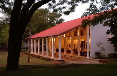 Sri lanka   l h tel cinnamon lodge habarana hotel front listing