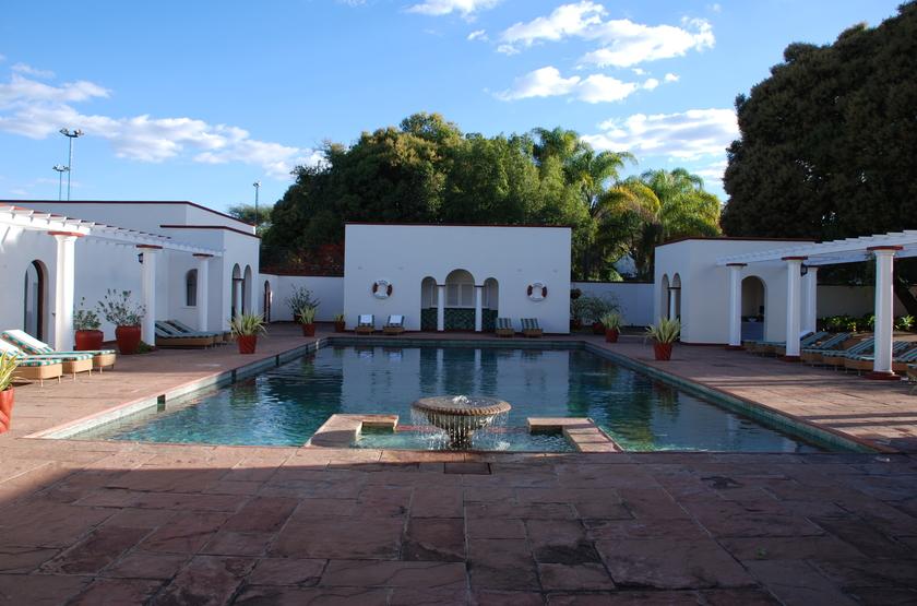 Victoria Falls Hotel, Zimbabwe, piscine