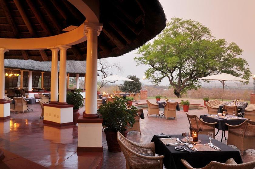 Victoria Falls Hotel, Zimbabwe, terrasse
