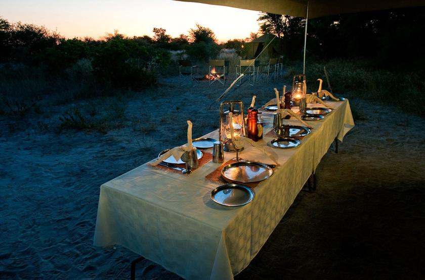 Deception Valley Adventurer Camp, Kalahari, Botswana, dîner