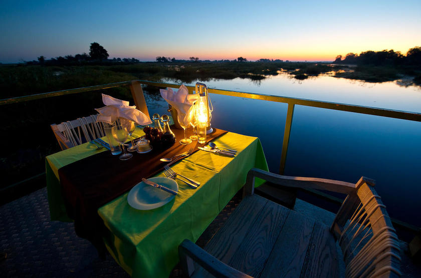 Kings Pool Camp, Linyanti, Botswana, restaurant