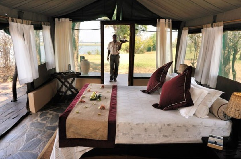 Kasaka river lodge   lower zambezi   interieur tente slideshow