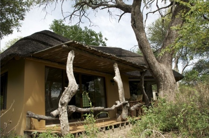 Royal Tree Lodge, Maun, Botswana, chalet