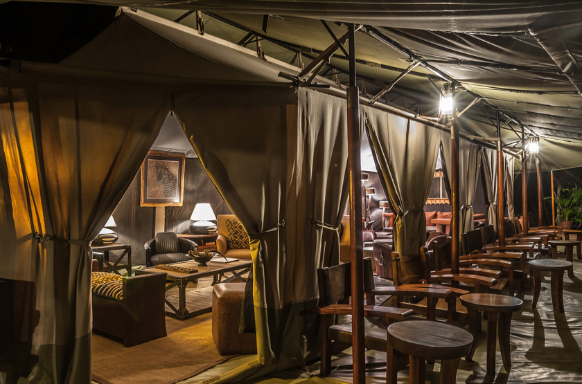 Entim Mara Camp, Masai Mara, Kenya, salon et terrasse