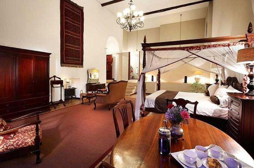 Honneymoon room   chapel slideshow