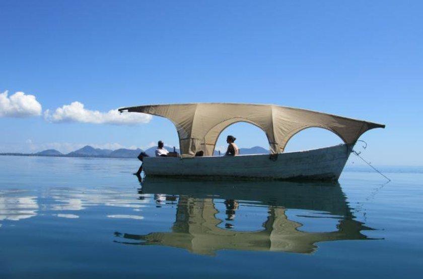 Norman Carr Cottage, Lac Malawi, bateau