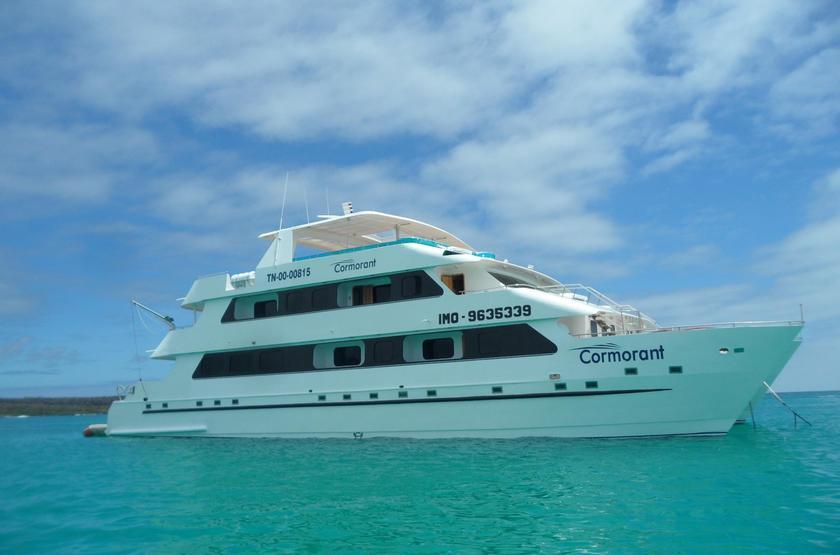 Catamaran Cormorant, Galapagos, Equateur, bateau